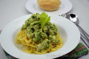 Domestic Diva - Pesto Chicken in the Varoma