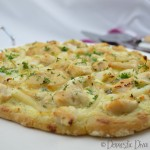 Domestic Diva: Creamy Garlic Chicken and Seafood Pizza